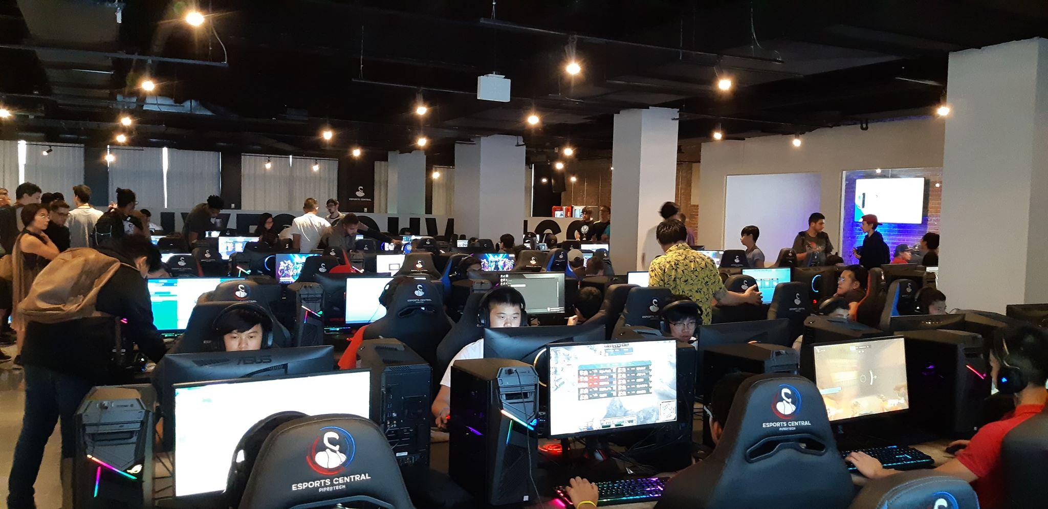Bell remplit Esport Central Arena pour ses tournois de jeux vidéo